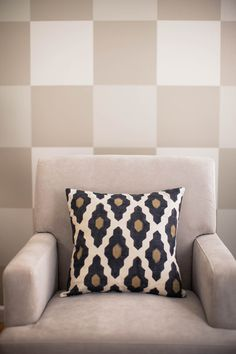 Painting with Frog Tape - Neutral colors don't have to be boring