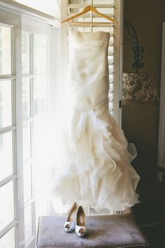 #WeddingDress | Onelove Photography | #SMP Weddings: http://www.stylemepretty.com/2013/12/04/travel-themed-wedding-at-saddlerock-ranch-from-onelove-photography/