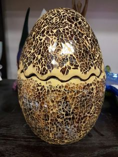 Two stunning marbled eggs, they open too. A rare find #collingwood #homedecor #treasures