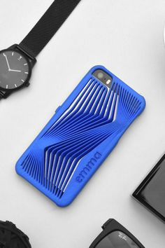Freshfiber 3D Printed Herz Case in Blue for iPhone SE, personalized for Emma. Personalize yours on Freshfiber.com