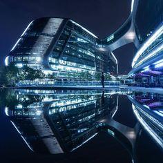bellatorinmachina:    Architect: Zaha Mohammad Hadid Photo by Jennifer Bin  Bensonviews