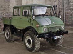airows: (via For Sale: This Awesome Mercedes-Benz Unimog...