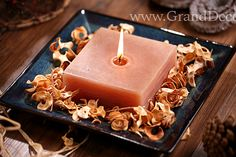 Aranżacja świecy rustykalnej z potpourri curlypot