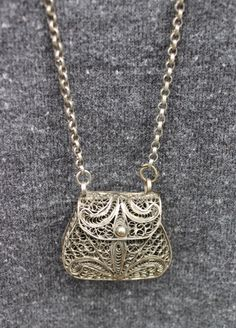 Vintage Silver Filigree Purse Necklace that Open's by Calessabay on Etsy