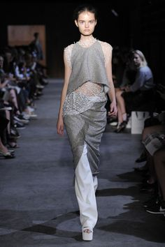 Fashion runway| Ellery Spring/Summer 2015, Ready-to-wear PFW | http://www.theglampepper.com/2014/11/13/fashion-runway-ellery-springsummer-2015-ready-to-wear-pfw/