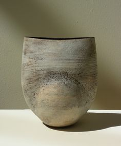 Collingwood Coper Exhibition - 3 Jun - 1 Jul 2009 - Galerie Besson click now for more info. Glass Ceramic, Ceramic Mugs, Porcelain Ceramics, Ceramic Bowls, Ceramic Pottery, Wabi Sabi, Feng Shui, Cerámica Ideas, Coil Pots