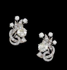 A pair of diamond ear screws, total weight c. Diamond Earing, Pearl Diamond, Diamond Gemstone, Diamond Jewelry, Pakistani Jewelry, Indian Jewelry, Chandelier Earrings, Dangle Earrings, Jewelry Design Earrings