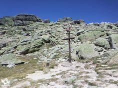 En el Parque Natural de la Laguna y los Circos Glaciares de Urbión se encuentra esta fascinante ruta, la Subida al  Urbión desde Laguna Negra