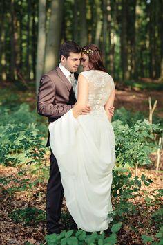 ♡ Christina & Eduard Photography ♡:  Woodland Styled-Shoot #Wilvorst #Tziacco #Herrenmode #Hochzeitsoutfit #Bräutigam #Märchenwald #Hochzeit #Wedding