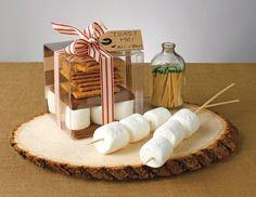 cute diy fall wedding favor idea using clear favor boxes fall wedding favors