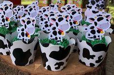 Centros de mesa para cumpleaños de la Vaca Lola Craft Activities For Kids, Baby Pictures, Baby Shower Invitations, Centerpieces, Birthday, Babyshower, Party, Crafts, Kids Part