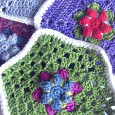 Hexagons In Bloom free pattern ✿⊱╮Teresa Restegui http://www.pinterest.com/teretegui/✿⊱╮