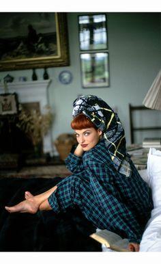 Linda Evangelista %22A shot of Scotch%22 Vogue, September 1991  Arthur Elgort