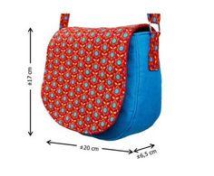 Pode ser bolsa de ombro ou cross-body, dependendo do comprimento das alças. Tem o molde em PDF AQUI