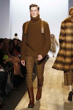 The designer sent out a lineup with an extravagance to match the merry financial roll his brand is riding. Michael Kors Fall, Well Dressed Men, Men Looks, Color Inspiration, Gentleman, Men Dress, Ready To Wear, How To Look Better, Men Sweater