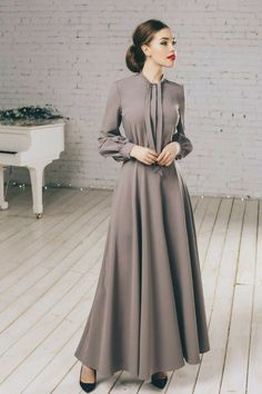 Add a beautiful maxi gown to ur wardrobe to make it exquisite Modest Dresses, Modest Outfits, Elegant Dresses, Beautiful Dresses, Dress Outfits, Abaya Fashion, Muslim Fashion, Modest Fashion, Fashion Dresses