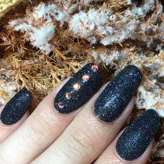 #Carina from The Nail Space mixed with ProHesion to create this textured look + Hand & Nail Harmony #blackshadow NailHarmonyUK/Gelish https://m.youtube.com/watch?v=49aTpq1yIPU