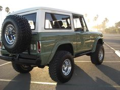 Bronco Restoration - Darren Smith - Picasa Web Albums