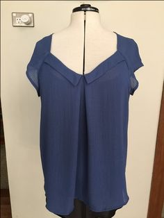 A sewing pattern review for Simplicity 1615. Pattern reviews help sewers choose the right patten so that they have success with their sewing projects.