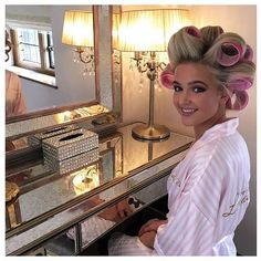 Hair Curler With Multiple Wands Hair Curler No Heat With Hook Plastic Hair Rollers, Sleep In Hair Rollers, Hair Curlers Rollers, Hot Rollers, Veronica, Roller Set, Sleep Roller, Permed Hairstyles, Hairdos