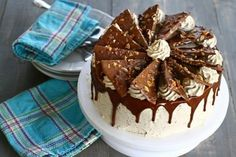Tort cu nucă și ciocolată The Daniel Plan, Jacque Pepin, Cakes And More, Yummy Cakes, I Foods, Cake Recipes, Cake Decorating, Food And Drink, Pudding