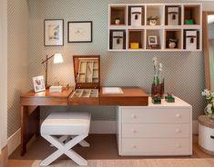 Trabalhar em casa tornou-se algo muito comum principalmente aos profissionais autônomos e o ambiente adequado é muito importante para ajudar na hora da concentração, motivação e produtividade. Alguns itens importantíssimos precisam ser...