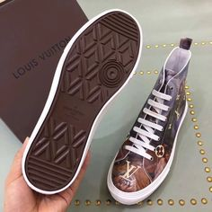 LV sneakers boots for men. please contact Wechat:008613580441057,for more designs and details. Welcome the wholesaler and reseller from globe.