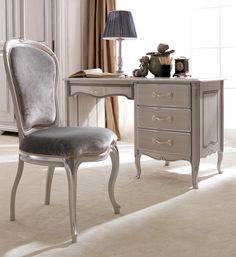 Reproduction Designer Italian Deskat Juliettes Interiors, a large collection of Classical Furniture.