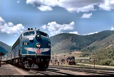 Net Photo: 38 Missouri Pacific EMD at Palmer Lake, Colorado by Bill Marvel Missouri, Palmer Lake, Bnsf Railway, Train Posters, Union Pacific Railroad, Railroad Photography, Train Art, Old Trains, Train Pictures