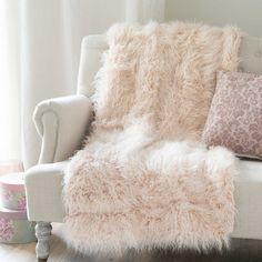 ASTRAKAN BLUSH faux fur throw in pink 130 x 170cm