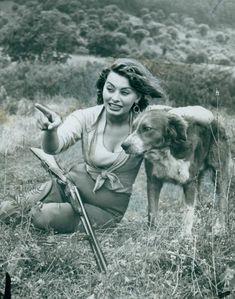 Sophia Loren and hunting dog