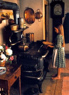 Alpine traditions. A warm kitchen with copper.