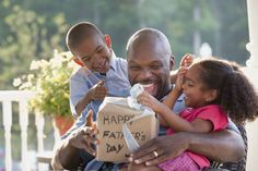 Bless your dad, or the father figure in your life, with this collection of Christian Father's Day poems. Fathers Day Poems, Cool Fathers Day Gifts, Great Father's Day Gifts, Happy Fathers Day, Gifts For Dad, Send Gifts, Amazing Gifts, Diy Gifts, Screen Time For Kids