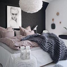 Enjoy your Sunday evening ✨  Det er så digg med sol og lysere lengre dager🙌✨🙌 Nyt kvelden deres✨ ___________ #interiorstyling #interior4all #interiorstyled #interiordesign #designinterior #livingroomdecor #ingerliselille_inspo #scandinavianhomes #scandinaviandesign #scandinavianstyle #immyandindy #interior4you1 #dream_interiors #nordiskehjem #interior123 #mynordicroom #whiteinterior #scandinavianhome #nordichome #nordicdesign #interior9508 #putti123 #futurenordichome #homedecor #homedesign…