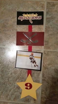 Hotel door sign hockey tourney party ideas for Hotel door decor
