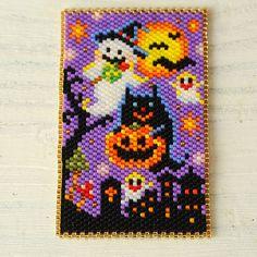 NEW★ ステッチ絵画~happy halloween~ Peyote Beading Patterns, Pony Bead Patterns, Peyote Stitch Patterns, Loom Patterns, Loom Beading, Halloween Art Projects, Halloween Patterns, Halloween Beads, Beaded Banners