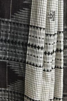 White Checkered Koraput Saree #handwoven #naturaldyed #Kotpad #saree #odisha…