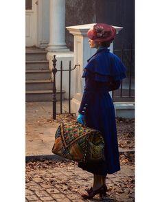 Wauw: Disney geeft de allereerste foto van Mary Poppins vrij!
