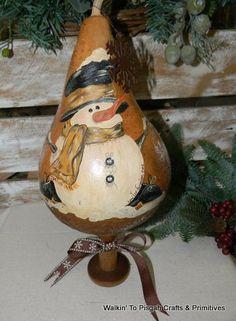 christmas gourd art   ... gourd, makedo, folk art, art, country, winter, christmas, santa, mouse