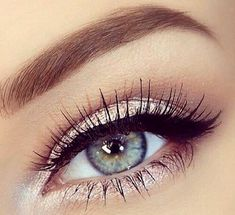 We <3 this! Using the shimmer shadow as eyeliner is a simple way to make your eyes sparkle.
