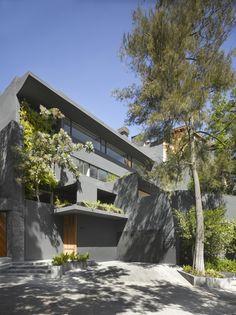 The Barrancas House by EZEQUIELFARCA arquitectura y diseño