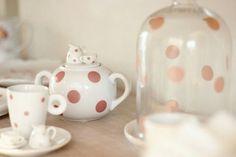 Para as apaixonadas por decor: a nossa #LinhaHome está cheia de novidades! Aposte nas louças com poá, sua cozinha ficará ainda mais linda!  #poire #temnapoire #decor #pastels #kitchen #newin