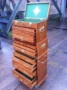 Wooden Tool Box Chest Wood would make an awesome jewelry box. Wood Tool Box, Wooden Tool Boxes, Wood Tools, Woodworking Workshop, Woodworking Projects, Teds Woodworking, Tool Storage Cabinets, Workshop Storage, Wood Projects