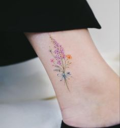 Watercolor tattoo shared by Haeyang on We Heart It watercolor tattoo - Tattoo Tattoos For Women On Thigh, Tattoos For Women Small, Small Tattoos, Small Colorful Tattoos, Small Feminine Tattoos, Beautiful Tattoos For Women, Mini Tattoos, Body Art Tattoos, Tatoos