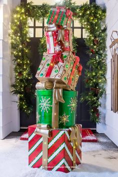 Building DIY Outdoor Christmas Decor the usage of power tools and a huge workspa… – Outdoor Christmas Lights House Decorations Christmas Topiary, Grinch Christmas Decorations, Diy Christmas Lights, Christmas Porch, Christmas Holidays, Christmas Ornaments, Rustic Christmas, Primitive Christmas, Christmas Snowman