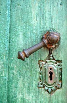 old door, handel and escutcheon...
