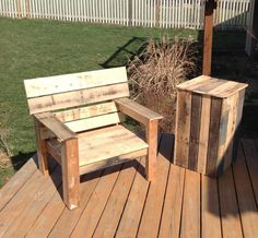 Pallet End table and Chair
