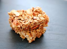 Toasted Pecan, Coconut & Almond Granola Bars, skip the store-bought and know what's actually in your {super tasty} granola bars!- Sparkle & Stir