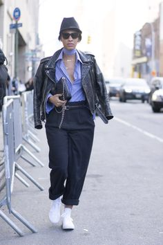 Pin for Later: Genießt das Wochenende mit den besten Street Style Shots der Fashion Week Street Style bei der New York Fashion Week, Februar 2016