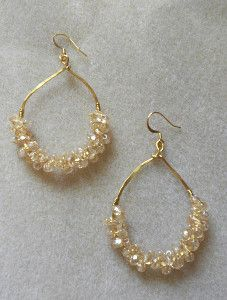- This Anthro Knockoff Earring Tutorial has a lot to offer a DIY jeweler. Read through this tutorial to learn how to make earrings that double as a great piece of knockoff jewelry. Plus, this DIY jewelry project shows you a Wire Wrapped Jewelry, Beaded Jewelry, Wire Jewelry, Jewellery Box, Jewellery Display, Diamond Jewelry, Diy Collier, Bijoux Fil Aluminium, Do It Yourself Jewelry